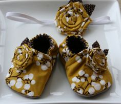 The Lady Thing Cute DIY Designer Baby Shoes Pattern Ideas - The Lady Thing
