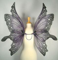 Halloween на Sees-All-Colors. Волшебные крылья On Gossamer Wings Black Fairy Wings, Black Wings, Hallowen Ideas, Gossamer Wings, Maquillage Halloween, Fantasy Costumes, Purple And Black, Art Dolls, Halloween Costumes