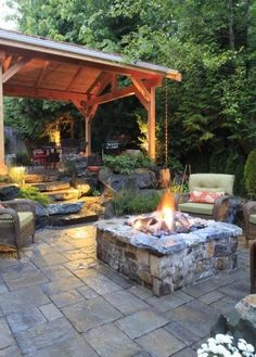 Gemütliche Sitzecke Im Garten + Feuerstelle