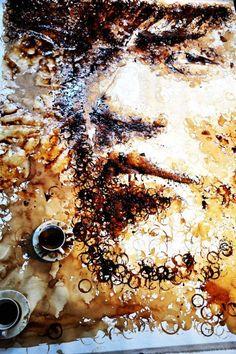 Portret van Jay Chou van koffiekopjesvlekken, als inspiratie voor onze eettafel :P