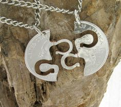 Interlocking Horseshoes BFF necklace, how cute! Want this,one half will be in my horse's bridle