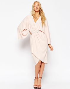 ffb2102f828 1755 Best Style images   Clothing, Fashion online, Neckline