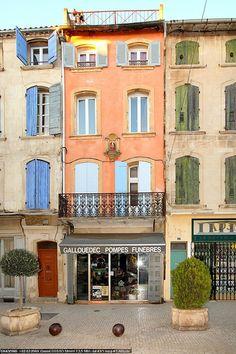 Façade en Tarascon, Provence, France