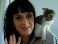 Photo of Katy Perry & her Cat