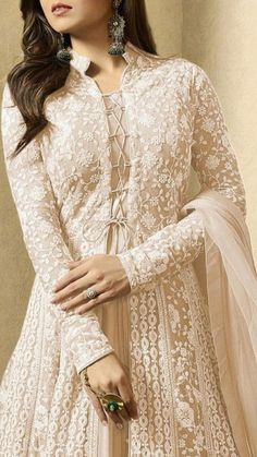 Indian Gowns Dresses, Indian Fashion Dresses, Abaya Fashion, Pakistani Dresses, Indian Outfits, Pakistani Clothing, Pakistani Suits, Asian Fashion, Girl Fashion