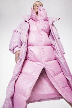 Moongoose - Down jackets, coats, puffers Hot Outfits, Winter Fashion Outfits, Sporty Fashion, Ski Fashion, Pink Fashion, Nylons, Winter Suit, Snow Outfit, Puffy Jacket