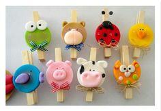 Perritos con imanes Cute Polymer Clay, Polymer Clay Creations, Polymer Clay Crafts, Handmade Polymer Clay, Craft Stick Crafts, Fun Crafts, Diy And Crafts, Clothespin Art, Clay Figures