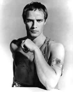 American actor Marlon Brando as Mark Antony in a promotional portrait for 'Julius Caesar', directed by Joseph L. Mankiewicz, Get premium, high resolution news photos at Getty Images Julius Caesar 1953, Marlon Brando, Divas, 3 People Costumes, Don Corleone, Mark Antony, Actrices Hollywood, American Actors, Classic Hollywood
