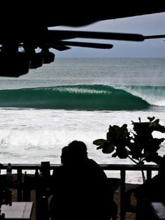 I'd love to surf those waves!!! oh yeah... i can't surf