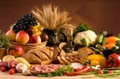 You get great health benefits choosing from these best foods to eat for health. You'll look and feel much better, stay well and have all around great health. Apple Fruit, Good Foods To Eat, Man Food, Fiber Foods, Stuffed Sweet Peppers, Food Pictures, Healthy Living, Healthy Recipes, Whole Foods