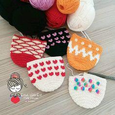 Günaydın  Ben yeni haftaya yeni güzelliklerle rengarenk başladım  Herkese iyi bir hafta diliyorum ✌ . . . . . #patik #evayakkabisi #evbabeti #babetpatik #knitting #handmade #pembeseverler #evimguzelevim #englishhome #madamecoco #a101 #bim #şok #ikea #ceyizhazirligi #esse #gelinlik
