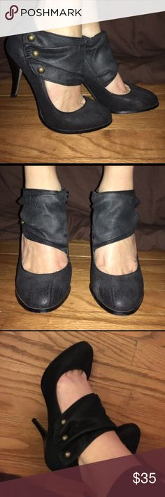 ".:*SALE*:.  Soft Leather Only worn once! Absolutely no damage!... about 3.5""-4"" heel Steve Madden Shoes Heels"