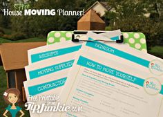 How To Move Yourself: Free Planner & Checklist {Tip Junkie Freebie!} - Tip Junkie Moving Binder, Moving Planner, Home Planner, Moving List, Moving Day, Tips For Moving House, Moving Hacks, To Do Checklist, Moving Checklist