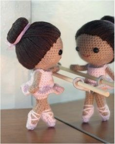wish i had seen this amigurumi weeks ago…would have been the perfect recital gift for mae (two days from now)