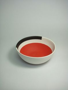 """""""Kuwata's goal is to create joyful and fun works, by making the most use of the characteristics of the materials"""" - SALON 94 - (Oddly elegant clay object by Takuro Kuwata) Ceramic Tableware, Ceramic Clay, Ceramic Bowls, Ceramic Pottery, Earthenware, Stoneware, Japanese Ceramics, Pottery Designs, Ceramic Design"""