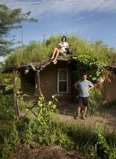 Ever heard about Cob House? Let's Get Inside!You can find Natural building and more on our website.Ever heard about Cob House? Let's Get Inside! Earthship, Mud House, House Built, Tiny House, Cob Building, Building A House, Green Building, Building Costs, Casa Dos Hobbits