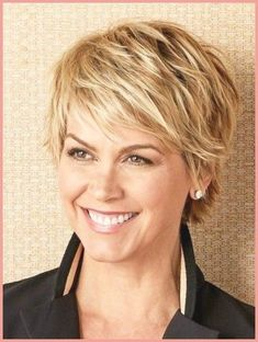 35 Pretty Pixie Haircuts for Thick Hair in Are ladies pixie cuts in for 2019 Definitely! The short pixie haircut is as yet hot and getting one is the ideal method to emerge from the group. Short Hairstyles For Thick Hair, Short Hair With Bangs, Short Pixie Haircuts, Short Hair Cuts For Women, Pixie Hairstyles, Curly Hair Styles, Layered Hairstyle, Beehive Hairstyle, Pixie Bob
