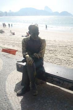 Copacabana - Estátua de Carlos Drumond de Andrade