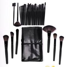 Makeup Brush Set: 32 Piece Makeup Brushes with Black Cosmetic Case