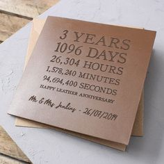 Personalised Time Card – Leather Anniversary Create a stunning keepsake card any couple will love with our unique leather card! It's crafted from genuine brown leather and can be personalised with a unique message, perfect for a anniversary. 3rd Year Anniversary Gifts For Him, Anniversary Gift Ideas For Him Boyfriend, 3rd Wedding Anniversary, Anniversary Message, Anniversary Scrapbook, Leather Anniversary Gift, Marriage Anniversary, Happy Anniversary Gift, Anniversary Ideas For Couples