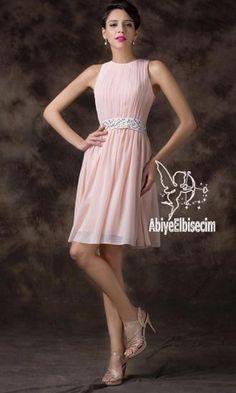Kısa abiye elbise askılı