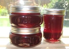 Sweet or sour cherries can be used. No need to pit all those cherries. This one is easy! Time to make does not include time for water to boil in water bath canner. Cherry Jelly Recipes, Sweet Cherry Jelly Recipe, Sour Cherry Jam, Sour Cherry Syrup Recipe, Cherry Desserts, Homemade Jelly, Jam And Jelly, Liqueur, Canning Recipes
