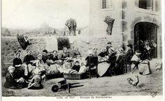 Puntaires, encajeras, lacemakers, dentellieres, Le Puy, France
