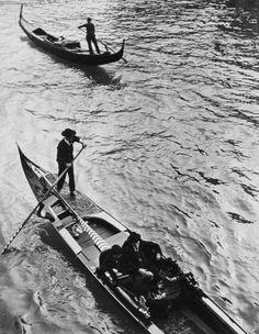 Gondolas in Venice, 1934, Alfred Eisenstaedt. (1898 - 1995)
