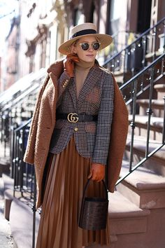 Fall style in Brooklyn // A tweed blazer with a pleated skirt and Gucci belt on Atlantic-Pacific