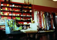 vintage store {this is what I look for, even if I'm out traveling!}