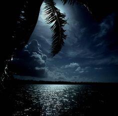 full moon in Tahiti - Moorea, French Polynesia