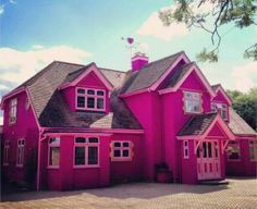 The House Is So Pink, Nicki Minaj Wants To Move In.