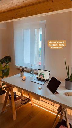 Boutique Interior, Dream Home Design, House Design, Decorate Your Room, Cozy House, Soho, Desks, Room Inspiration, Home Office