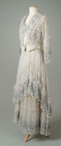 Summer Dress, Lucile, 1915 Robes Élégantes, Historical Costume, Historical Clothing, Fashion Gallery, Capes, Beautiful Outfits, Beautiful Gowns, Edwardian Era, Edwardian Dress