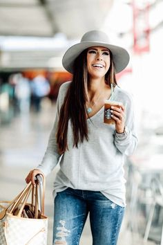 airport-fashion-outfits-to-travel-in-style-6