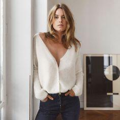 Sezane Paris Launches La Liste - Casual chic Source by veeeeesna - Look Fashion, Fashion Beauty, Autumn Fashion, Paris Winter Fashion, Woman Fashion, Fashion Clothes, Fitness Fashion, Fashion Fashion, Fashion Online