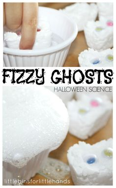 Fizzy Melting Ghost Science Baking Soda Play Activity. Fun Halloween activity with a twist on a classic baking soda and vinegar science experiment. Kitchen science for kids! This science activity is also great sensory play. From @little-bins-for-little-hands-blog