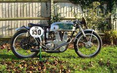 The ex-Dave Chadwick, Isle of Man TT ::c.1952 LEF 125cc Racing Motorcycle Vintage Bikes, Vintage Motorcycles, Racing Motorcycles, Old Bikes, Isle Of Man, Classic Bikes, Sport Bikes, Motogp, Motorbikes