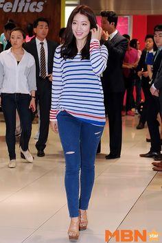 Korean celebrity airport style sept