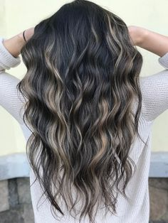 9 Best Fall Hair Trends That Will Inspire Your Next Look Hair Color Balayage, Hair Highlights, Dark Hair Light Highlights, Peekaboo Highlights, Hairstyles Haircuts, Pretty Hairstyles, Hair Color And Cut, Brunette Hair, Fall Hair