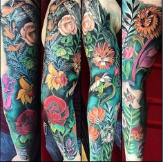 These flowers may look pretty, but they don't want to be bothered by strangers in Wonderland. Amy Pruss inked this Alice in Wonderland sleeve. Alice in Wonderland is my favorite :)