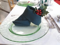 Hunter Green boot napkin fold .