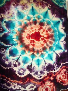 This is from Markeen's Tie Dye Board....she has lots of boards on re-style.......... tie dye