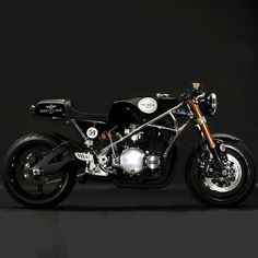 Breitling Cafe Racer Santiago Choppers has recreated a custom Cafe Racer in the vein of Georges Martin's insanely popular 1970s bikes. A vintage body and a powerful bike