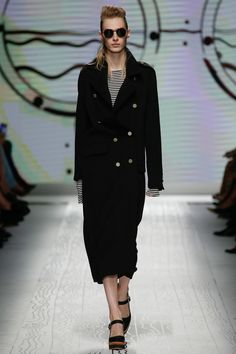http://www.vogue.com/fashion-shows/spring-2016-ready-to-wear/max-mara/slideshow/collection