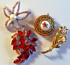 junk jewelry + magnets = refrigerator bling