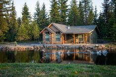 Find best Home Decoration Ideas for Your House - DIY - Room - Makeover Airbnb Accommodation, Waterfront Restaurant, Local Tour, Lakefront Homes, Lake Cabins, Local Real Estate, Virtual Tour, Idaho, Beautiful Homes