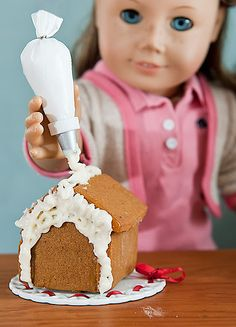 Pleasant Piper: Making Gingerbread Houses!