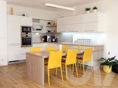 white kitchen U shape