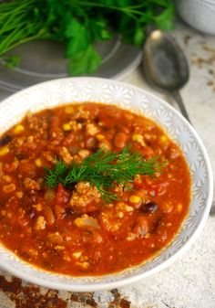 Clean Eating Taco Soup, a version of a favorite Weight Watchers taco soup, replaces prepared taco seasoning and ranch dressing with fresh herbs and spices. Healthy, low carb and so good! Clean Eating Tacos, Clean Eating Soup, Whole Food Recipes, Soup Recipes, Cooking Recipes, Healthy Recipes, Healthy Soups, Recipies, Weight Watcher Taco Soup